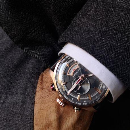 Montre acier PVD rose sur bracelet cuir noir, cadran gris et lunette acier PVD rose